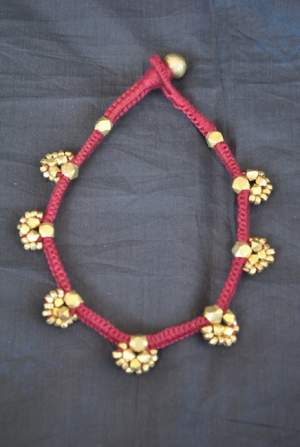 Hand-crafted-dokra-anklet-14-300x447 Trendy Handmade Anklets from Vipakka To Stay Up To Date