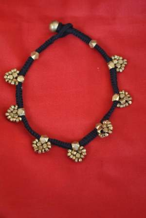 Hand-crafted-dokra-anklet-16-300x447 Trendy Handmade Anklets from Vipakka To Stay Up To Date