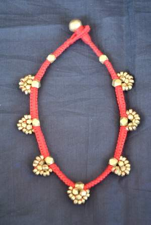 Hand-crafted-dokra-anklet-17-300x447 Trendy Handmade Anklets from Vipakka To Stay Up To Date