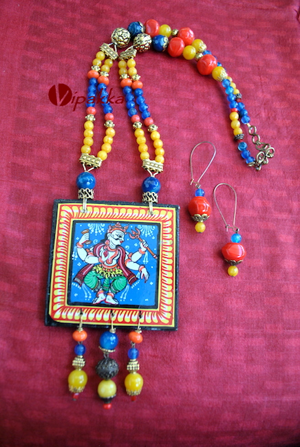 Hand-painted Wooden Pattachitra Necklace pendant with beads work 3