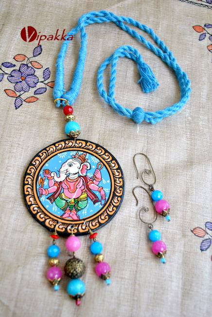 Pattachitra Wooden Necklace with Round pendant and Lord Ganapati theme 4