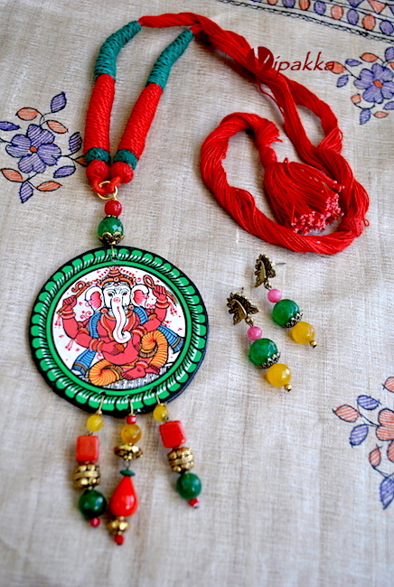 Pattachitra Wooden Necklace with Round pendant and Lord Ganapati 3