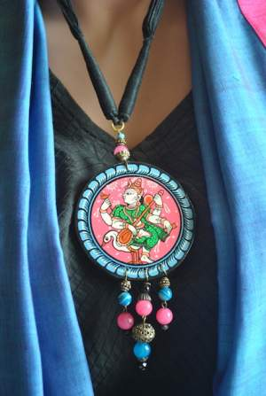 Vipakka_Handpainted-pattachitra-necklace-45-300x447 5 Amazing ways to style your Pattachitra Necklace  - Tradition meets Trend