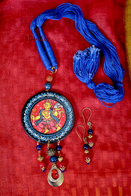 Wooden Pattachitra Necklace with Round pendant 1