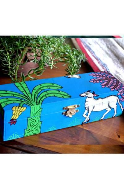 Vipakka-hand-painted-Jewelry-Box-pattachitra-art1-5-400x588 Hand Painted Jewelry Box - Vibrant Colors With Safe Storage for Your Jewelry