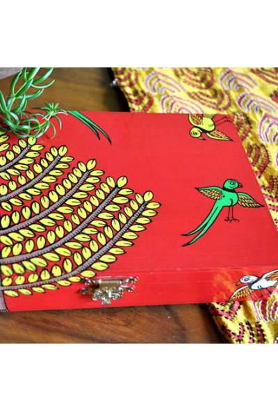 Vipakka-hand-painted-Jewelry-Box-pattachitra-art2-1-400x588 Hand Painted Jewelry Box - Vibrant Colors With Safe Storage for Your Jewelry