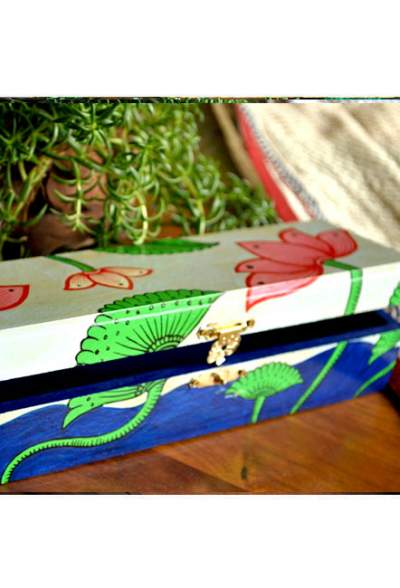 Vipakka-hand-painted-Jewelry-Box-pattachitra-art2-6-400x588 Hand Painted Jewelry Box - Vibrant Colors With Safe Storage for Your Jewelry