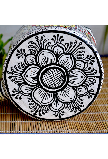 Vipakka-hand-painted-Kettle-home-decor-pattachitra-art