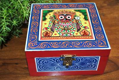 Hand-painted-Jewelry-Box-inspired-by-Pattachitra-Art-Form-MDF-Box-with-acrylic-paint-22-400x269 Hand Painted Jewelry Box - Vibrant Colors With Safe Storage for Your Jewelry