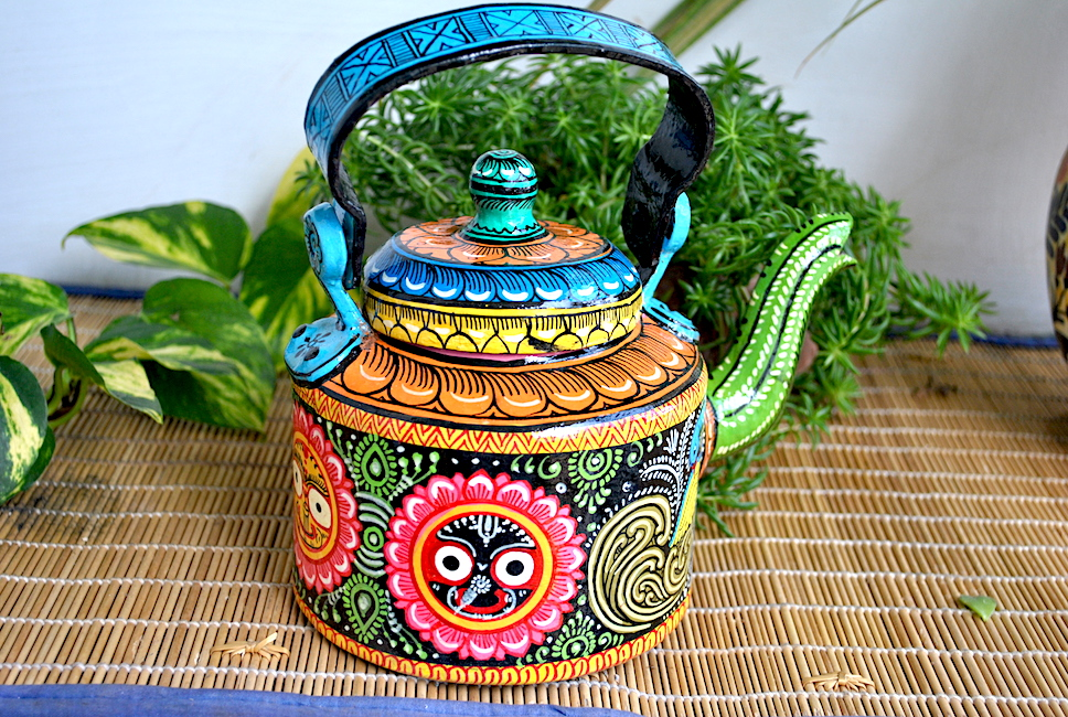 hand painted kettle from Vipakka with patachitra art 41