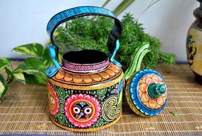 Decorative kettle from Vipakka with patachitra art 42
