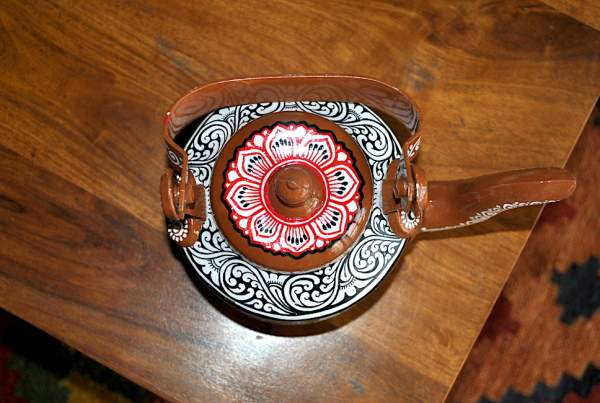 hand painted kettle from Vipakka with patachitra art