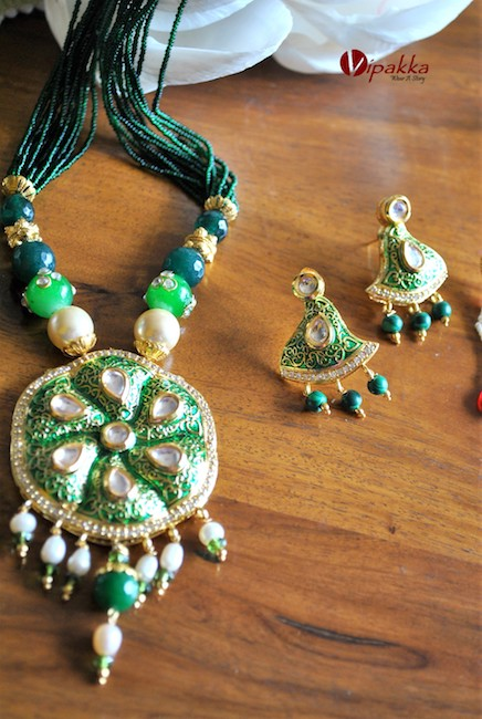 stone necklace - Kundan pendant