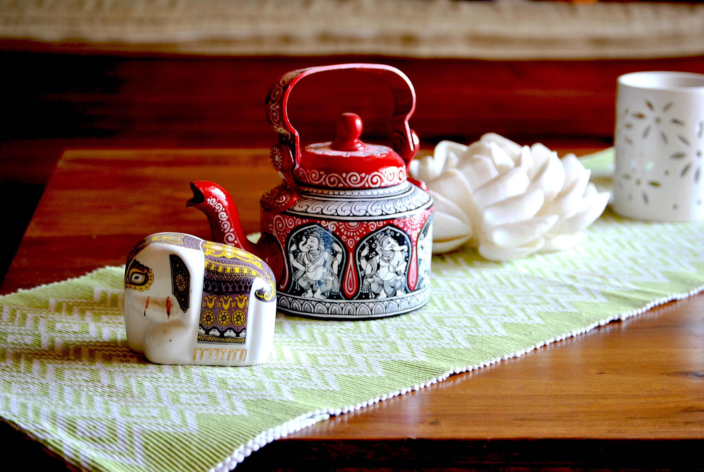 Top-decor-ideas-for-your-home-with-hand-painted-kettles1 Top decor ideas for your home with hand-painted kettles