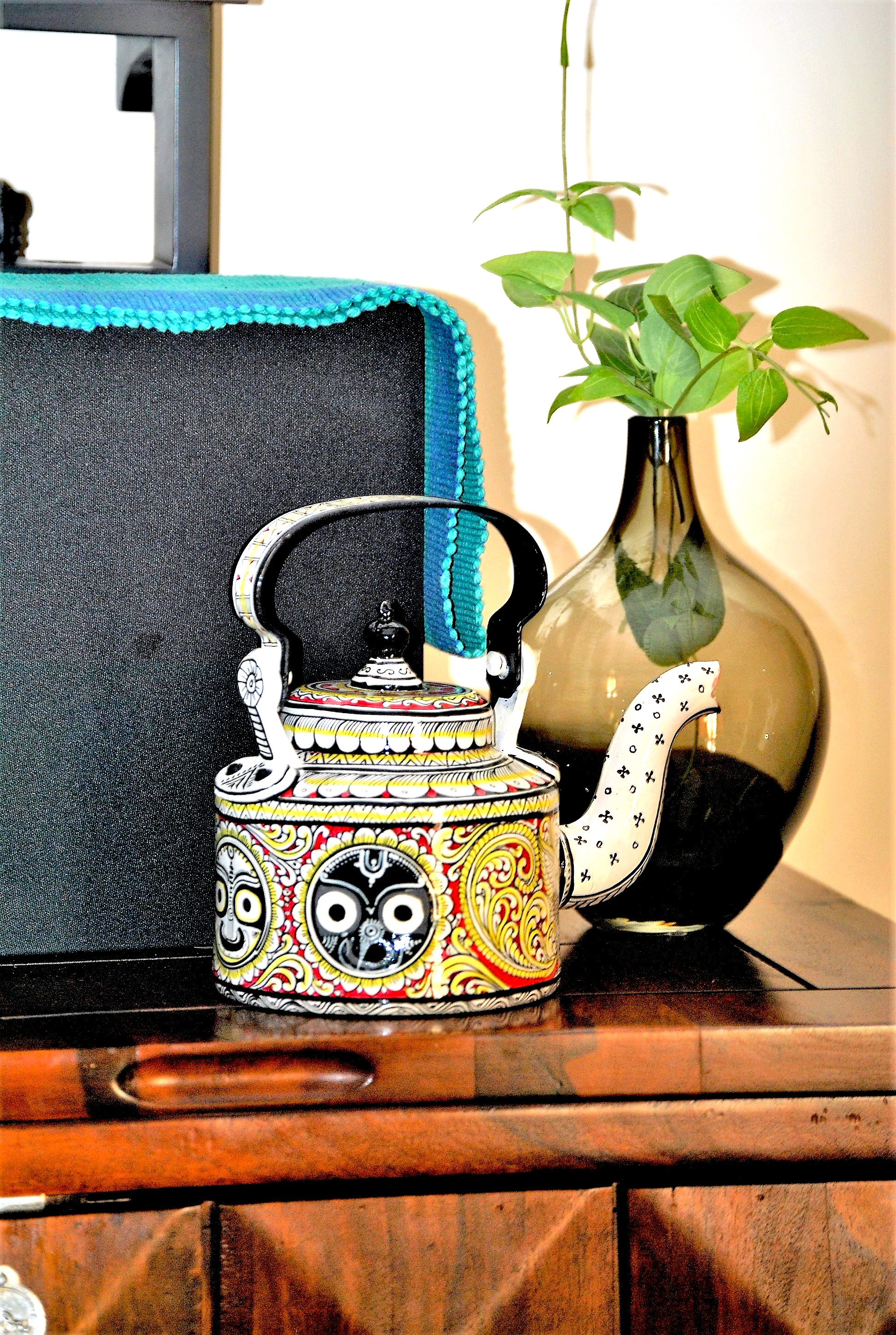Top-decor-ideas-for-your-home-with-hand-painted-kettles8 Top decor ideas for your home with hand-painted kettles
