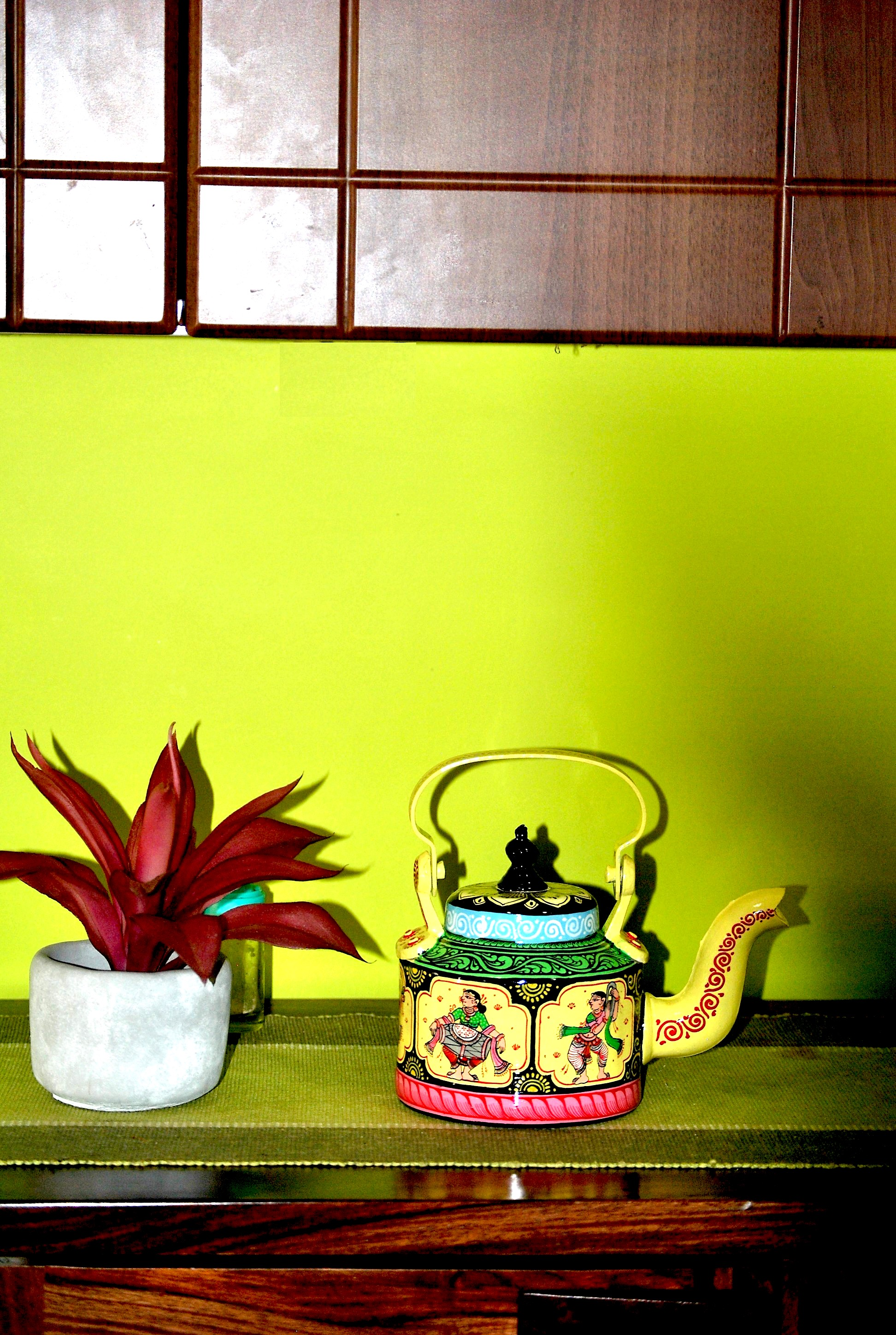 Top-decor-ideas-for-your-home-with-hand-painted-kettles9 Top decor ideas for your home with hand-painted kettles